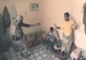 لحظات دلخراش تعرض عناصر داعش به مردم بیگناه!(۱۸+) + فیلم