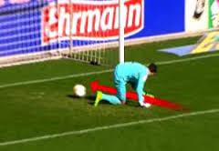 فیلم/ ۱۰ سوتی خنده دار از فوتبالیست های آماتور
