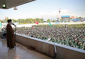 اتفاقی نادر در مراسم سخنرانی رهبر معظم انقلاب