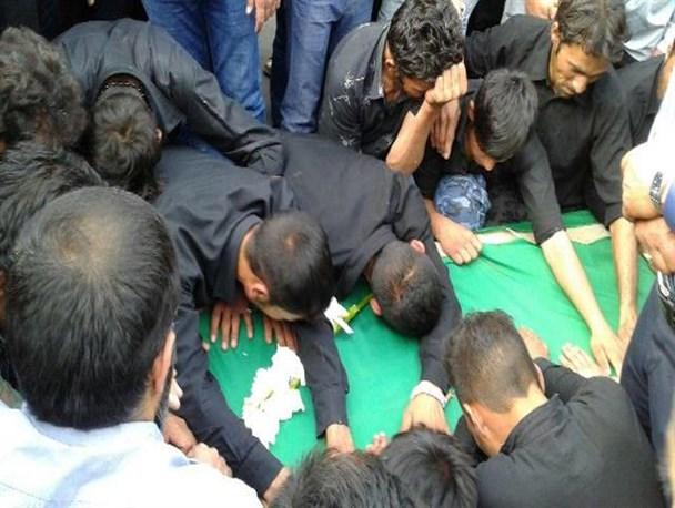 مراسم تشییع و خاکسپاری پیکر سیزدهمین شهید مدافع حرم در دماوند+تصاویر