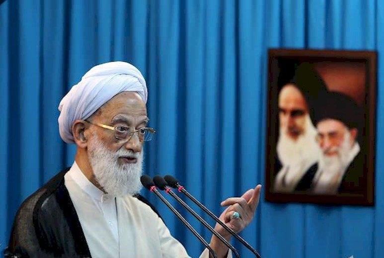 آمریکایی با وقاحت تمام ایران را تحریم و در سوریه و یمن جنایت میکنند/ نباید از عربدهکشیهای مستکبران ترسید