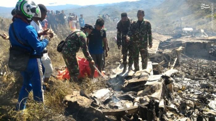 اولین تصاویر از سقوط هواپیما در اندونزی