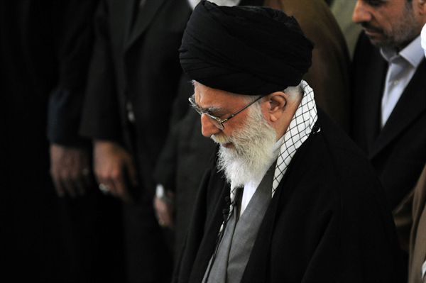 رهبر انقلاب وارد دانشگاه تهران شد