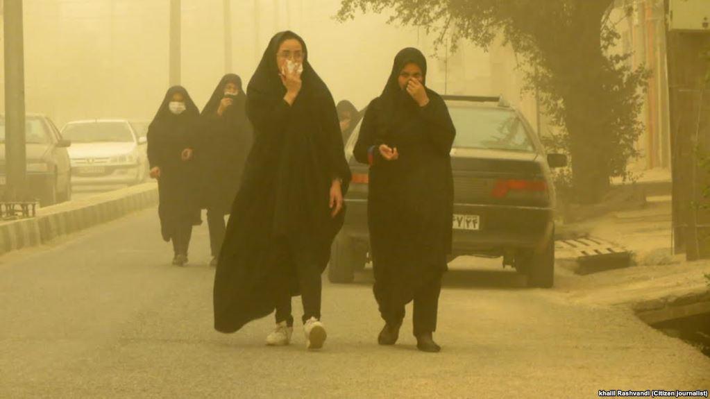 عدم اراده دولت برای پایان دادن به عذاب ۱۷ ساله خوزستانی ها/همدردی رهبر معظم انقلاب با خوزستانی ها،تسکینی بر دردها بود/مسئولان محیط زیست باید جوابگوی بحران هوای خوزستان باشند
