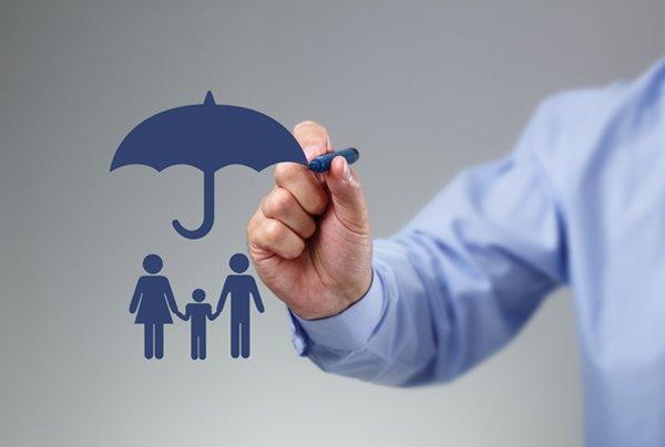 بیمه شخص ثالث گران نمی شود/ نیازی به دریافت الحاقیه بیمه نیست