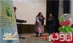 تمسخر بازیگر زن معروف در جشن دانشگاه! + عکس