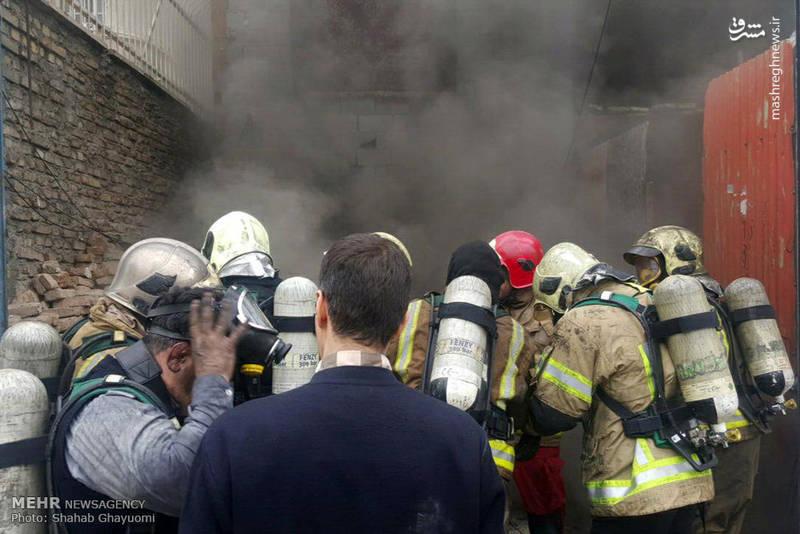 تصاویر/ آتش سوزی در انبار لوازم خانگی در تهران