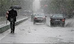 بارش باران در محورهای ۶ استان/ ترافیک سنگین در آزادراههای قزوین ـ کرج و کرج ـ تهران