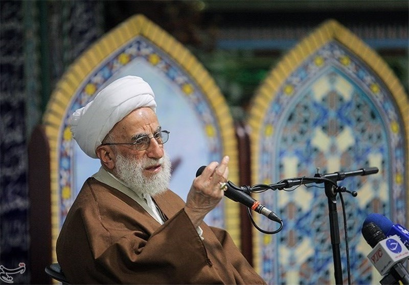 کسانی که میخواهند راه امام را ادامه دهند باید حامی مستضعفین باشند