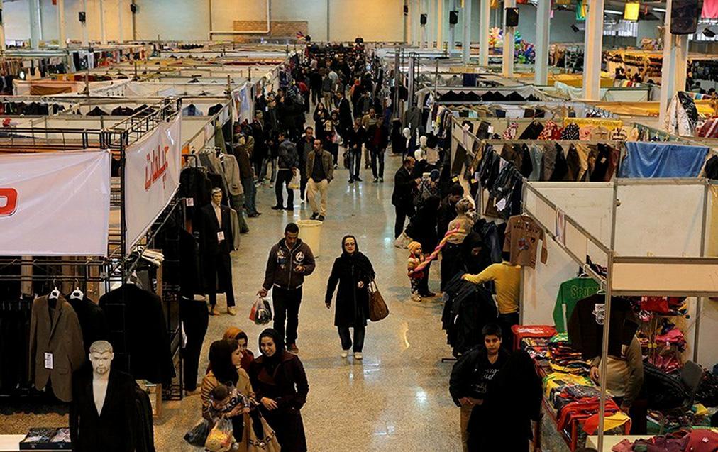 جولان البسه ترکیه در بازار ایران/ وجود فروشگاههایی در پایتخت که توسط تولید کنندگان ترکیه دایر شده است/ نمایشگاه های بهاره محل عرض اندام محصولات ترک