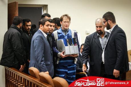 انتقال بابک زندانی از زندان به دادگاه