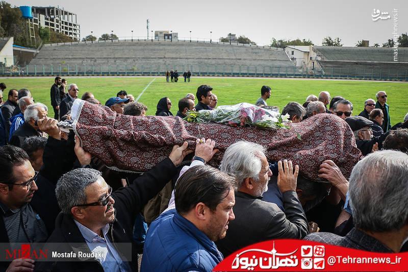تصاویر/ تشییع پیکر مرحوم اکبر افتخاری