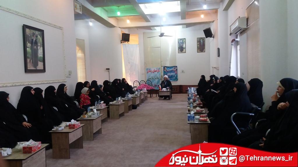 مشارکت زنان در فعالیتهای انقلابی یک فرصت بزرگ است