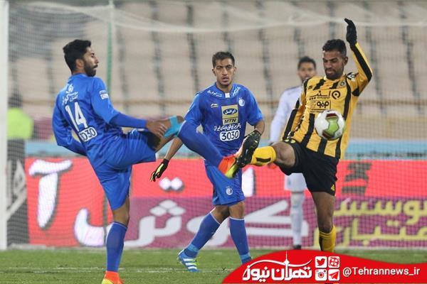 استقلال و تراکتور جنجالی نمیشود/ حسینی روی رکوردشکنی تمرکز نکند