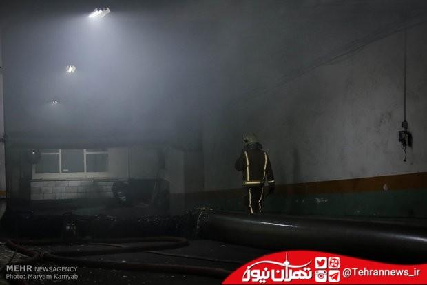 آتش سوزی گسترده در انبار رنگ و تینر در بلوار ارتش