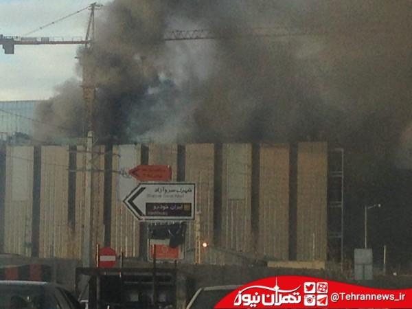 آتشسوزی در مرکز خرید ایران مال دریاچه چیتگر تهران + عکس