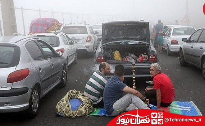 عکس های جالب از استراحت مسافران نوروزی در جاده های پر ترافیک + عکس