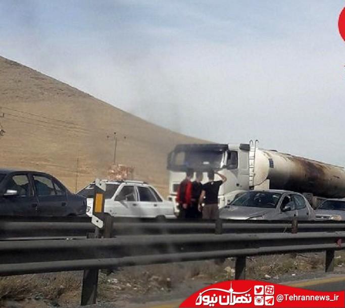 آتش سوزی اتوبوس محور اراک_شازند / راننده از حادثه بی خبر بود!