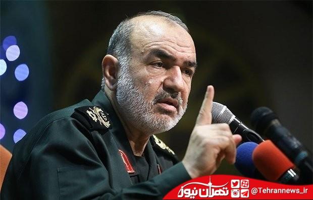 بسیج باطلالسحر تمام فتنه های دشمنان علیه انقلاب است