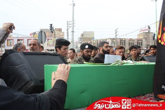 تجمع بزرگ هیئاتهای مذهبی و تشییع پیکر شهید در قرچک