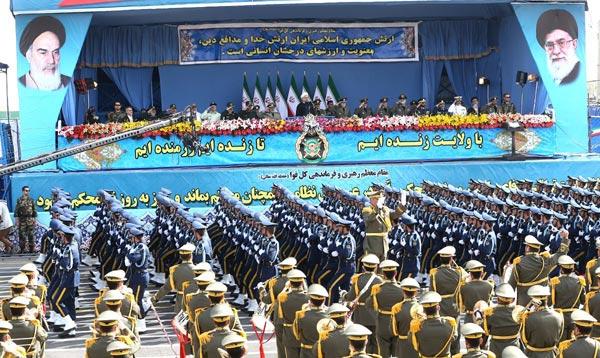 رژه روز ارتش برگزار شد