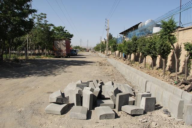 طرح مناسب سازی معبر ورودی منطقه صنعتی احمدآباد آغاز شد
