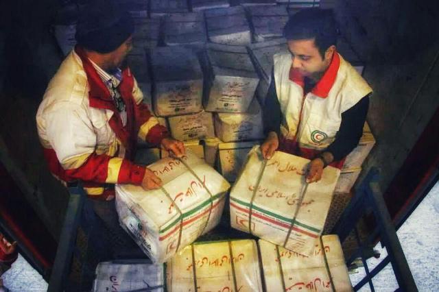 اقدام هلالاحمر فیروزکوه برای جمعآوری کمک به سیلزدگان سیستان و بلوچستان