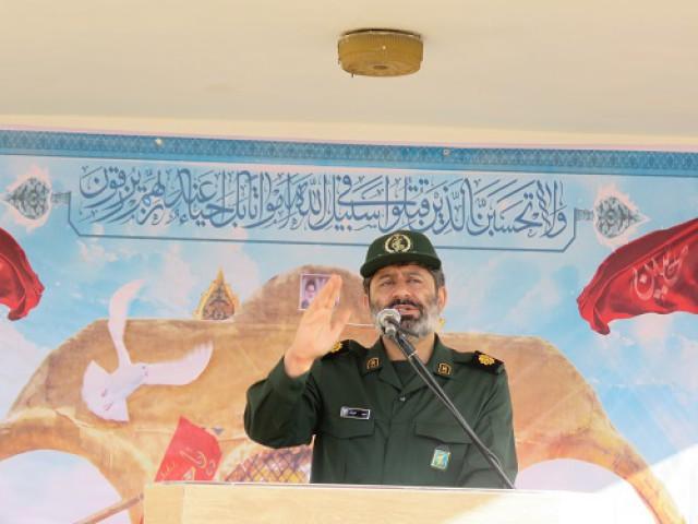 دشمنان در حال تلاش اند که نام فجر و دهه فجر را از بین ببرند
