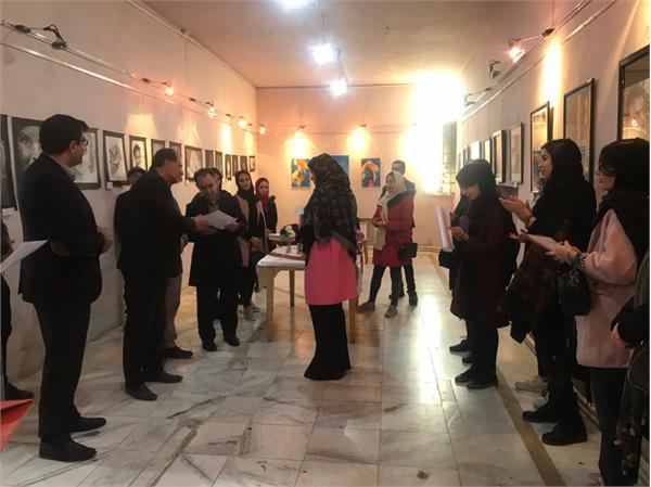 انجمن هنرهای تجسمی همزمان با دهه فجر در فیروزکوه افتتاح شد