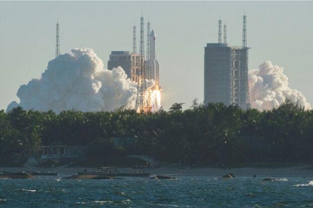 نخستین تصویر از موشک چینی در حال نزدیک شدن به زمین