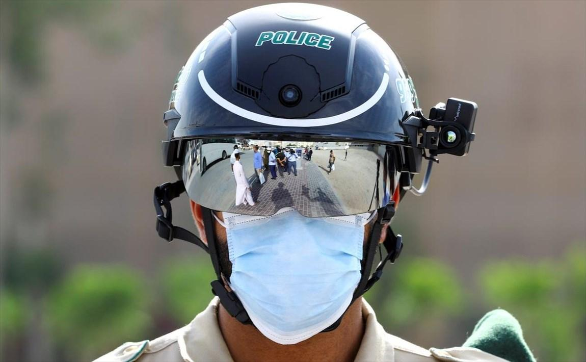 کلاه نظارتی هوشمند، تب افراد را کنترل میکند