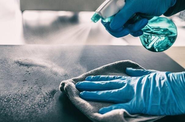 احتمال انتقال ویروس کرونا از طریق سطوح؛ یک در ۱۰ هزار