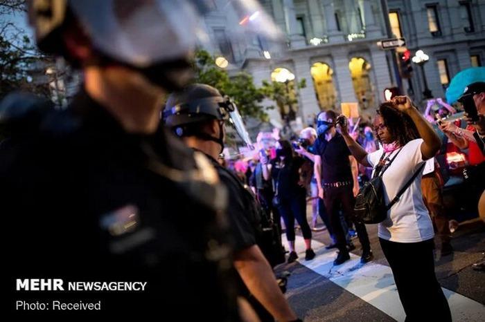اعتراضات در آمریکا باعث محدود شدن کسبوکار آمازون و اپل شد