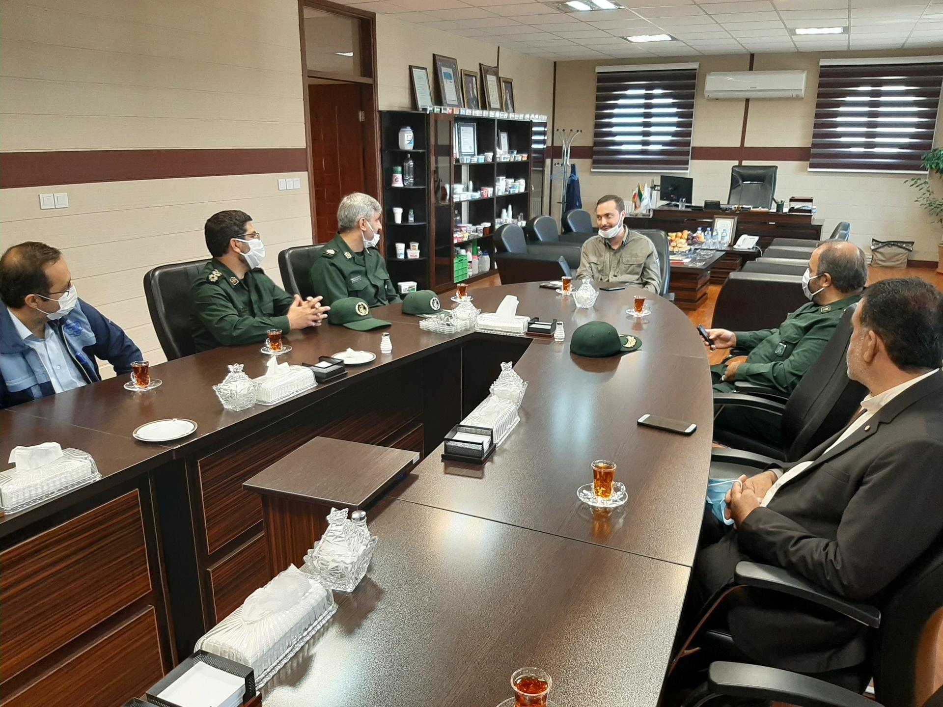 بازدید مسئولان سپاه استان تهران از صنایع بستهبندی شیر پگاه