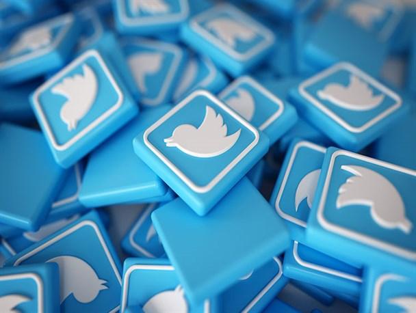 تجدید میثاق توئیتریها با رهبر انقلاب / #لبیک_یا_خامنه_ای ترند شد
