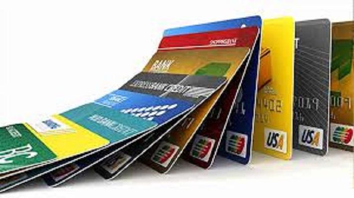 کارتهای اعتباری، نقدینگی را کنترل میکند
