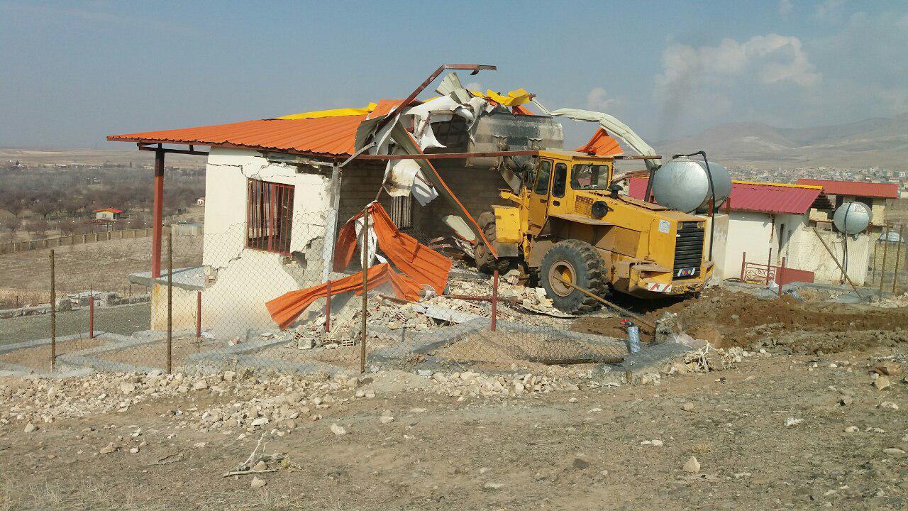 تخریب 200 میلیاردی بناهای غیرمجاز فیروزکوه