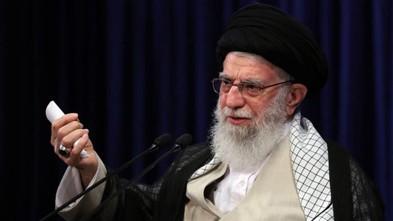 بیانات رهبر معظم انقلاب در دیدار جمعی از موکبداران عراقی در سال گذشته