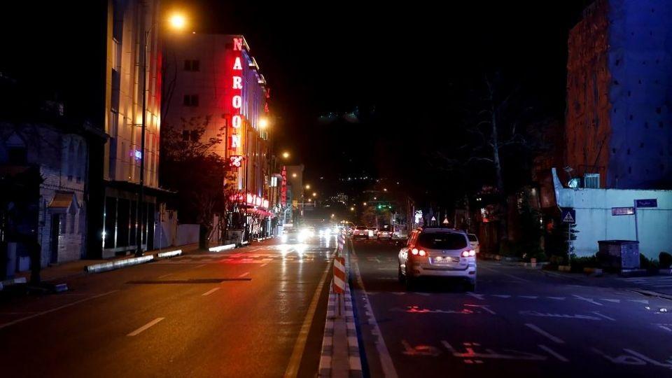 چرایی خاموشی معابر شهر تهران راس ساعت ۲۱