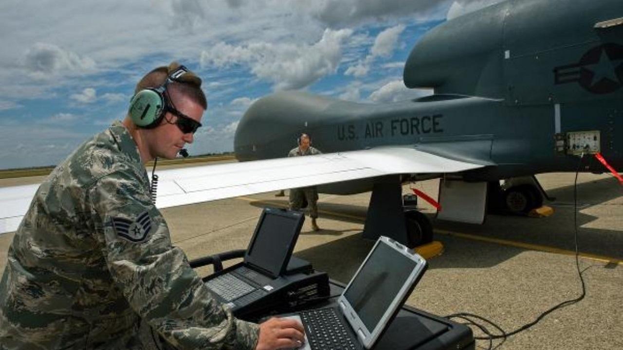 نیروی دریایی آمریکا به هواپیماهای بدون سرنشین تهاجمی مجهز می شود