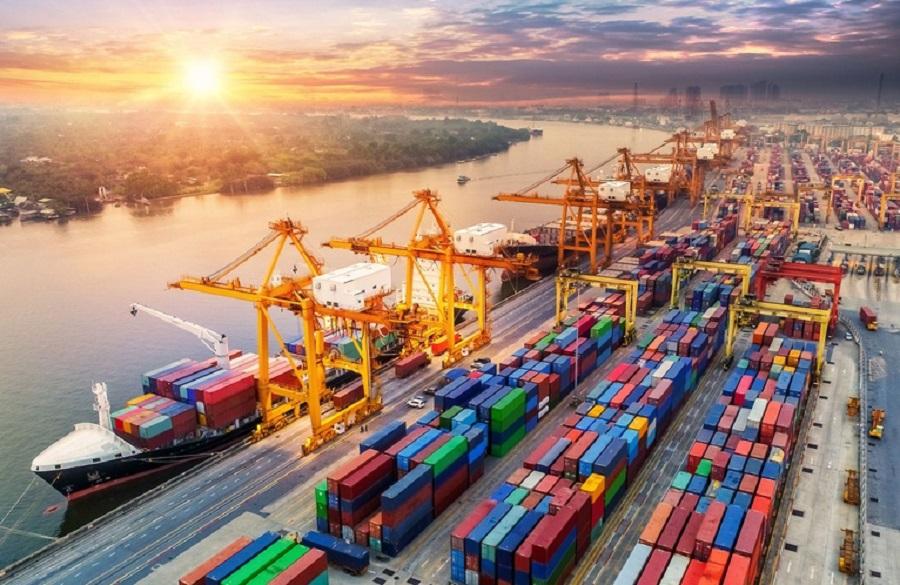 توسعه صادرات منجر به رشد تولید ملی و ایجاد اشتغال میشود